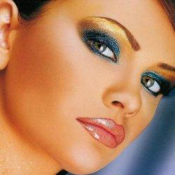 Услуги перманентного макияжа в салоне красоты «Маленький Париж» г. Кременчуг.